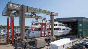 magic-yacht-refit-front-street-shipyard